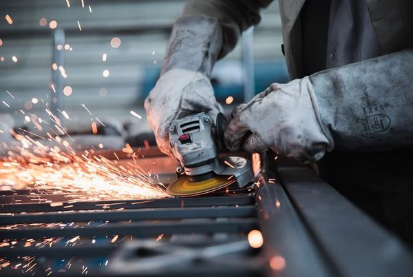 Istat, industria: a giugno crescita del fatturato thumbnail