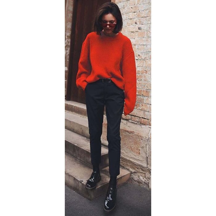 blogger hot orange oversized πλεκτό