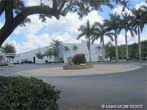 OFFICE + WAREHOUSE. HAVE YOUR OWN BUSINESS. BEST LOCATION IN PEMBROKE PINES. EASY ACCESS TO US 27,  I 75,  I 595,  I 95.