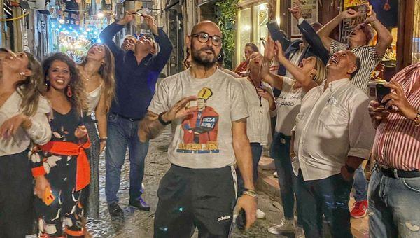 Guida al cibo di strada a Napoli: dal cuoppo più buono al caffè con la cuccumella