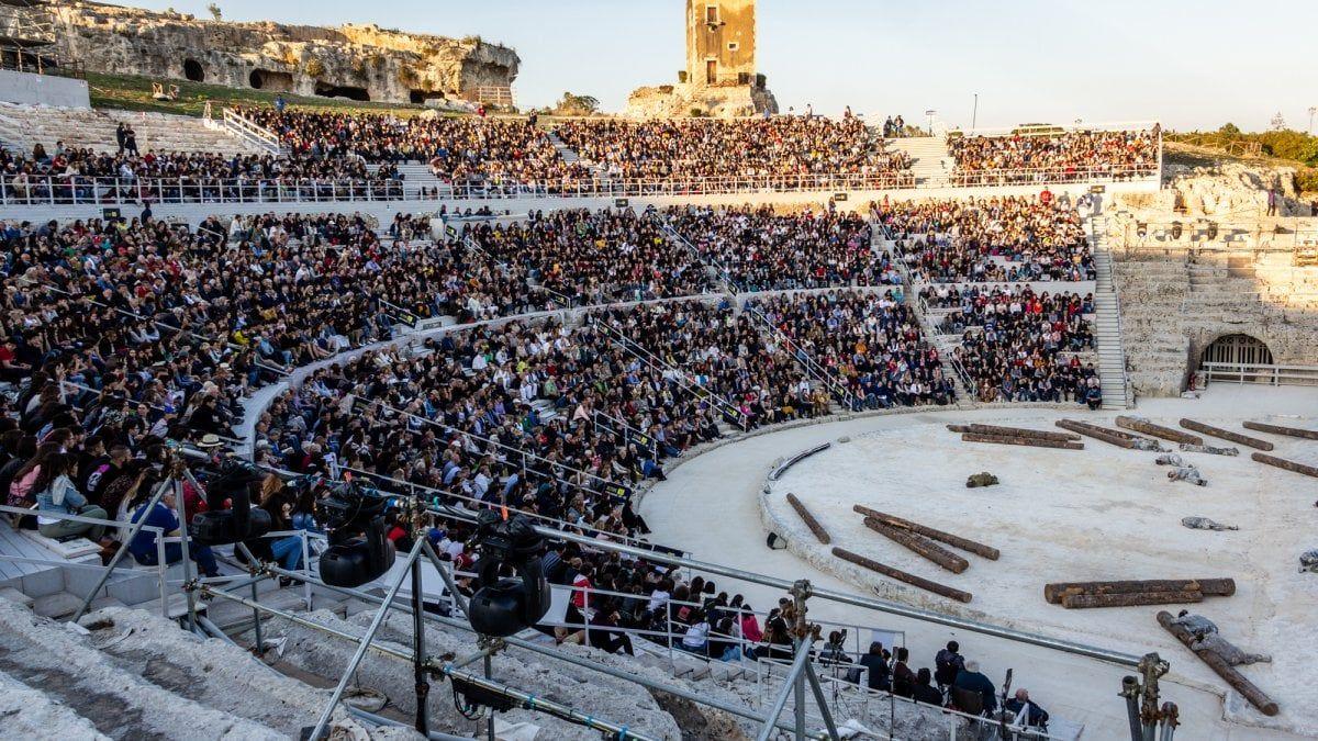 Teatro musica danza grandi festival dell estate formato ridotto