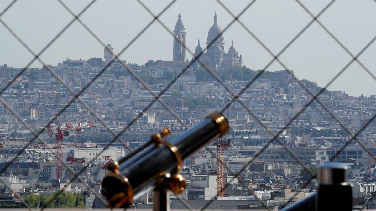 Mascherine sensi unici nei corridoi così Francia tornerà scuola