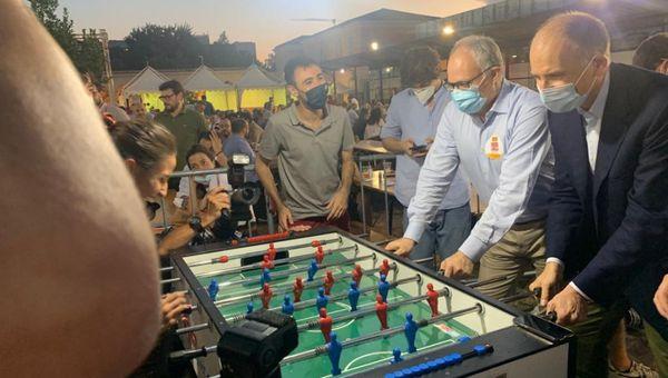 Pd, Letta con Gualtieri alla festa dell'Unità di Roma: Salvini irresponsabile sul Green Pass. Conte-Draghi sulla giustizia? Sicuro che si troverà soluzione
