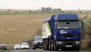 Un'autostrada sotto le pietre di Stonehenge: il sito rischia di essere declassato dall'Unesco