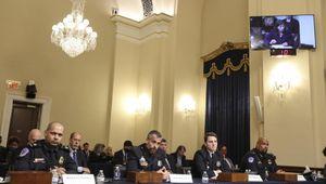"""Usa, gli agenti in lacrime: """"Nell'assalto al Congresso abbiamo visto la morte"""""""