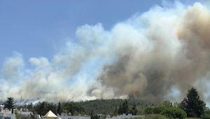 Il sud della Turchia continua a bruciare, turisti in fuga