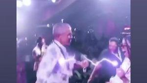 I 60 anni di Obama, le foto clandestine del dj della festa di compleanno