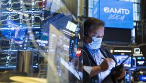 Le Borse di oggi, 9 agosto. Cautela sui mercati sui timori per la variante Delta, listini Ue contrastati