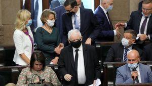 Polonia, governo in crisi. Collassano i sovranisti guidati da Kaczynski