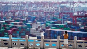 In Cina il virus ferma i container: il commercio internazionale va in tilt