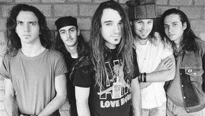 Un canto per i sopravvissuti. Ten: trent'anni fa il primo disco dei Pearl Jam