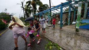 Uragani e alluvioni, in Usa 10 vittime e migliaia di evacuati. Morti e dispersi anche in Messico