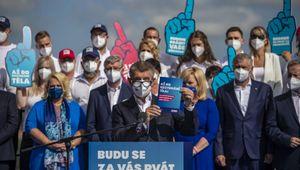Repubblica ceca, Babis contro Babis: è guerra pubblica tra il premier e il figlio a un mese dalle elezioni