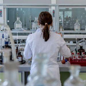 Sigurno znate imena bar dve starlete, a znate li ime nekog mladog naučnika?