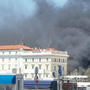Požar u centru Splita, izgoreli motori na rivi