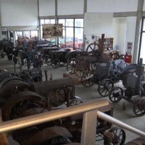 Najstariji traktor u Srbiji, u muzeju čeka da opet uzore brazdu