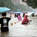 Najmanje 25 mrtvih u poplavama u Kini -  zatvoreni putevi, otkazani avio-letovi