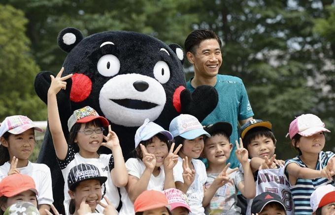 香川真司向熊本縣的兒童捐贈1,000個足球