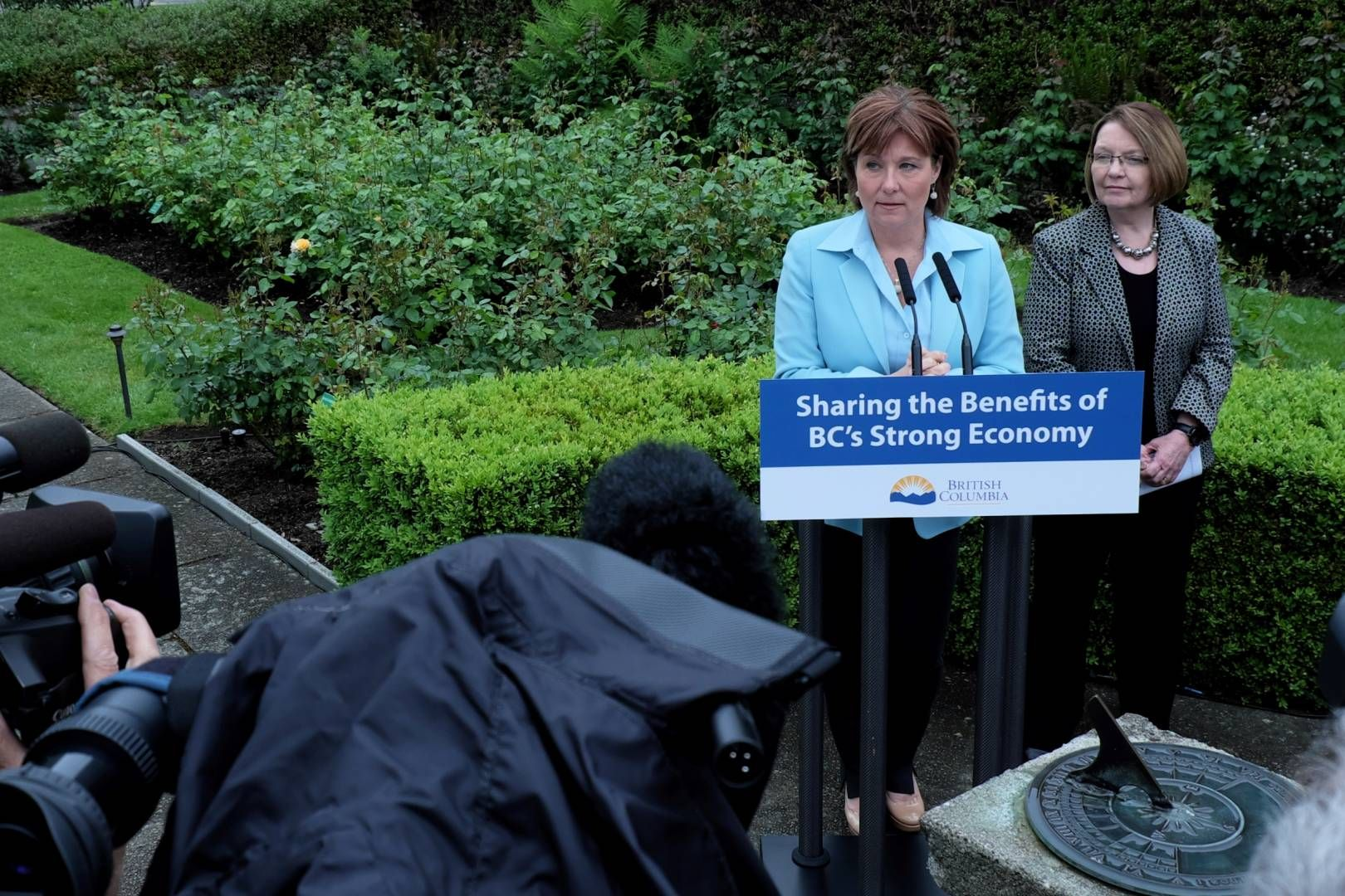 Jobs Minister Shirley Bond defends B.C. wine rule after U.S. government files trade complaint