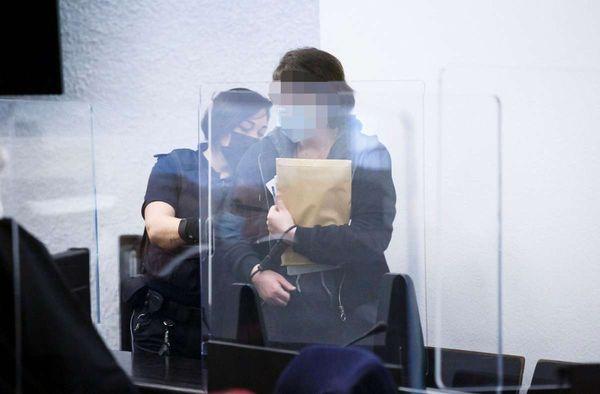 Prozess am Landgericht Stuttgart: Stuttgarter Paar soll Feuer in Bundesagentur für Arbeit in Nürnberg gelegt haben