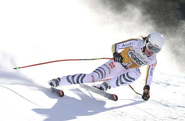 Gebürtige Stuttgarterin: Nach zwei Jahren:  Ski-Ass  Weidle wieder auf einem Weltcup-Podest