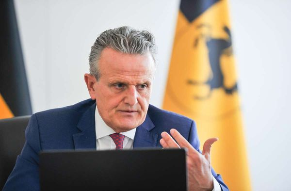 Stuttgart verbietet Coronademos: Noppers Notbremse