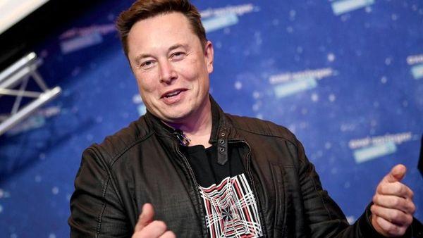 Auto - Grünheide (Mark) Tesla-Chef besucht Fabrik-Baustelle in Grünheide