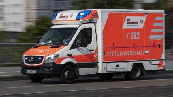 Auto fährt in Streifenwagen auf Autobahn 7: Drei Verletzte