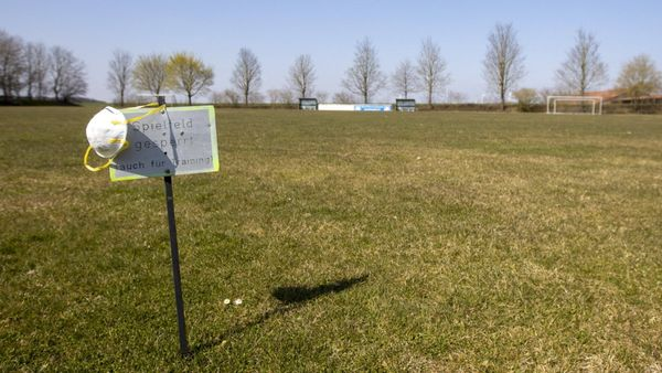 Corona in Bayern: 100 Stehplätze beim Amateurfußball