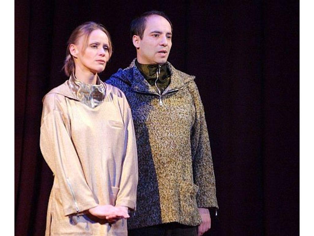 És Rómeó és Júlia ...