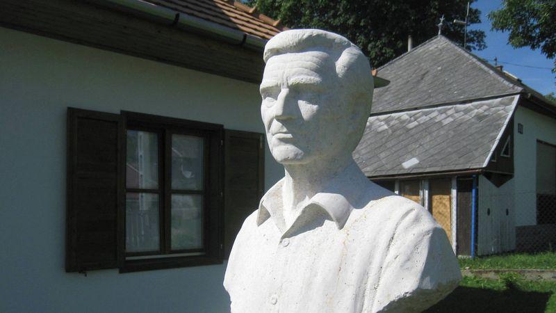 100 éve született Zenthe Ferenc: Salgótarjánban idén minden róla szól majd – még a torta is