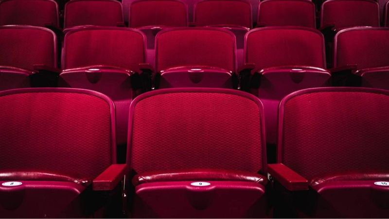 Nemzetközi viszonylatban a film- és színházi világ 120 ezer dolgozója marad munka nélkül