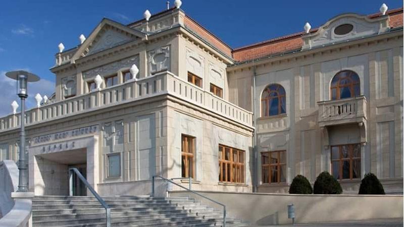 A tatabányai Jászai Mari Színház netes kihívása