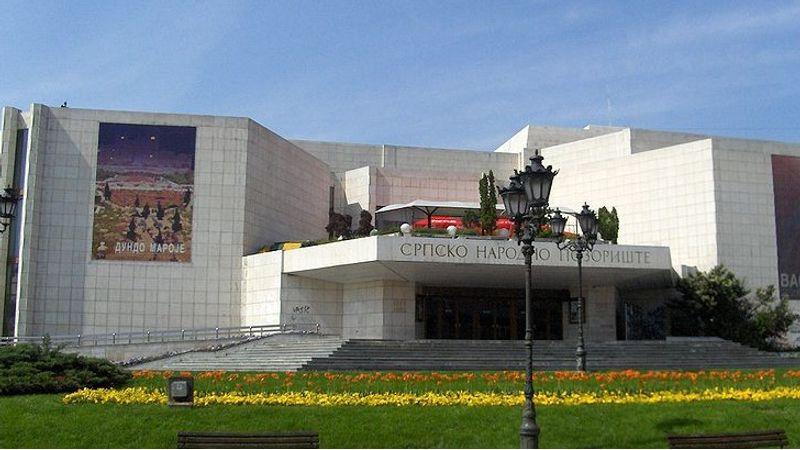 Öt hónap után újranyitnak a színházak Szerbiában