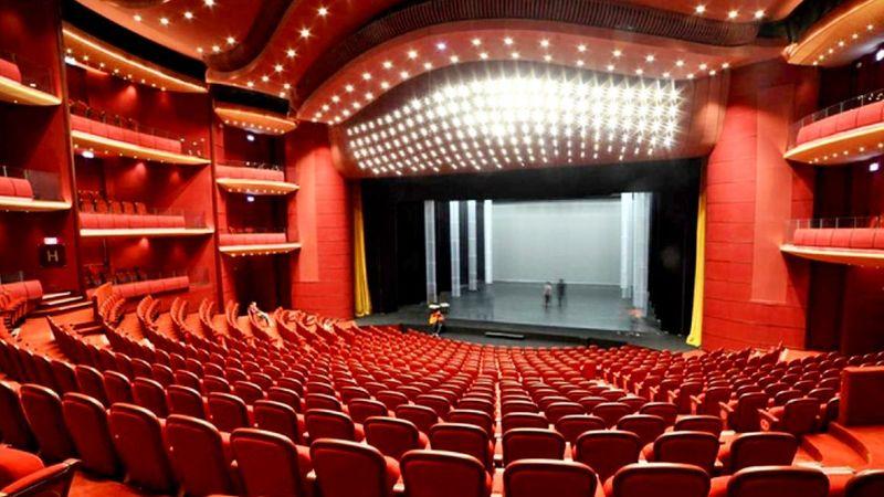 Bukarestben kinyithatnak a színházak