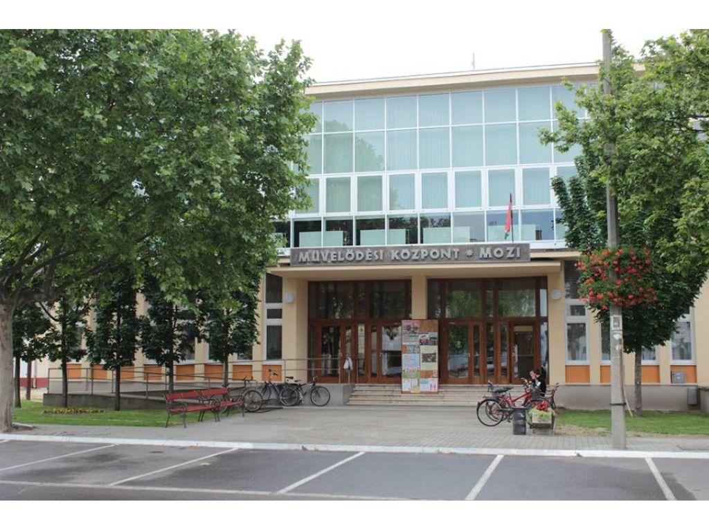 Arany János Művelődési Központ - Tiszakécske