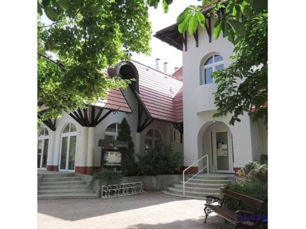 Bajor Gizi Közösségi Ház és Könyvtár