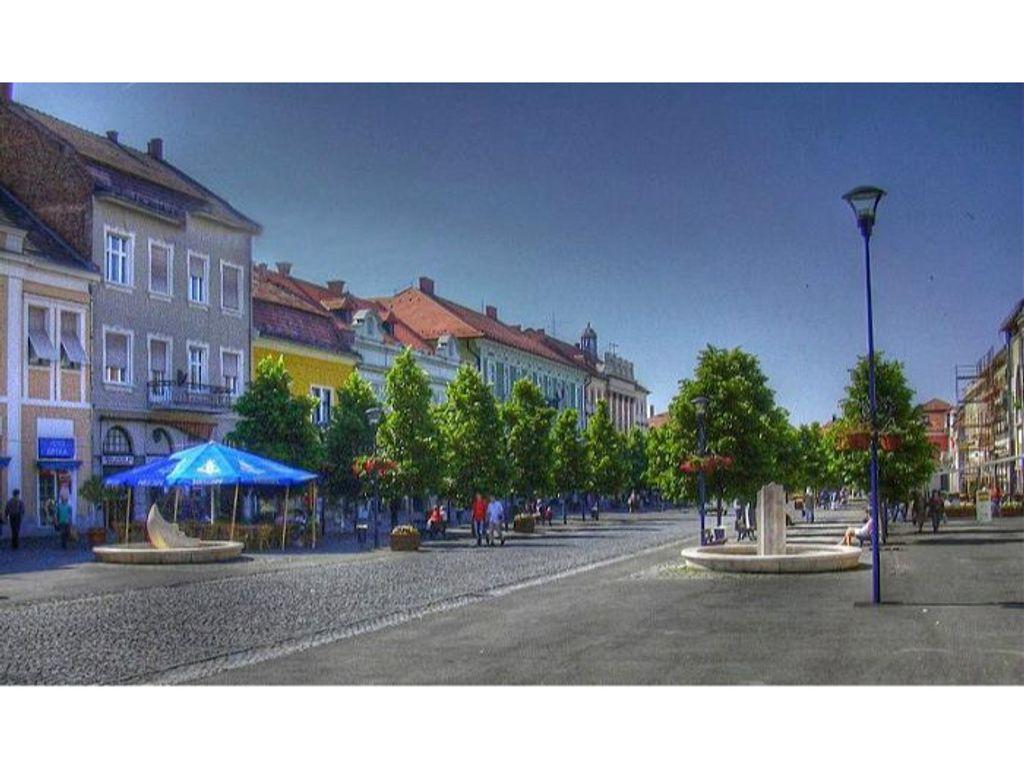 Gyöngyös - Fő tér - Szabadtéri Színpad