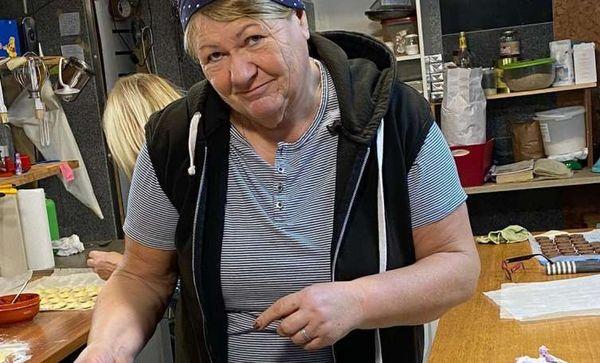 Kekse gegen Reis: Bei Margit  Wengler laufen die Backöfen heiß