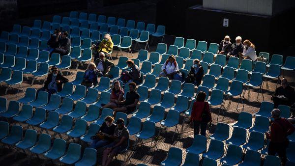 Stadi, cinema e teatri, svolta con il Green pass: La capienza aumenterà