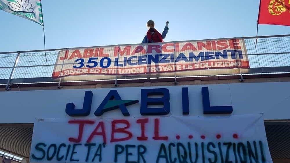 Jabil ritira licenziamenti lavoratori tornano sperare