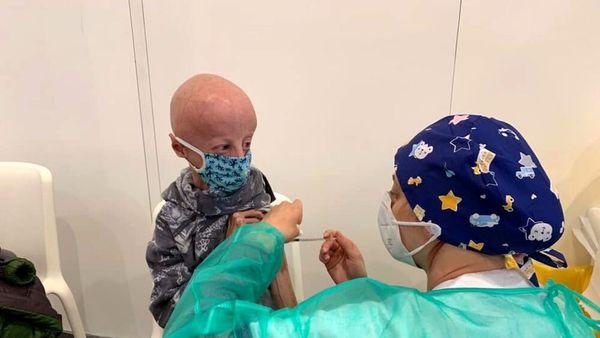 Sammy Basso, prima dose di vaccino anti Covid per il ragazzo affetto da progeria