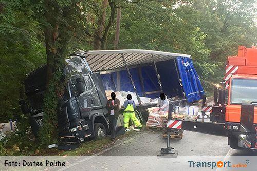 Vrachtwagenongeval zorgt voor urenlange verkeersoverlast op Duitse B3 [+foto]