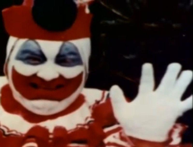 [Image: John-Gacy-Pogo-Clown.jpg]