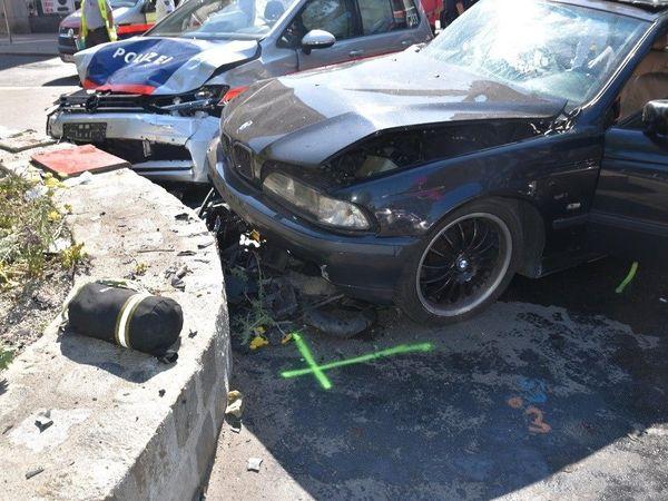 Schwerer Unfall bei Einsatzfahrt der Wiener Polizei: Sieben Verletzte