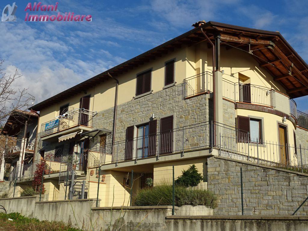 Villa a schiera in Vendita CHITIGNANO