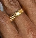 [Image: OBAMA-RING-closeup-12-clear-photo-as-president.jpg]