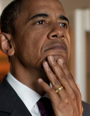 [Image: OBAMA-RING-wh-photo-THERE-IS-NO-GOD-EXCEPT-ALLAH1.jpg]