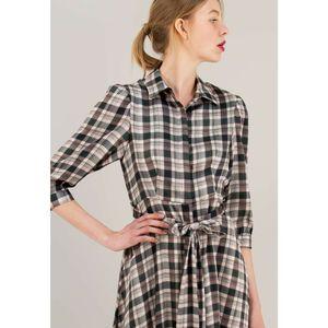 Μίντι καρό φόρεμα σε στιλ πουκάμισο με κουμπιά μπροστά.