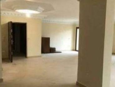 مكتب اول الهرم دقائق للمترو هرم رئيسي 170متر الطابق الاول